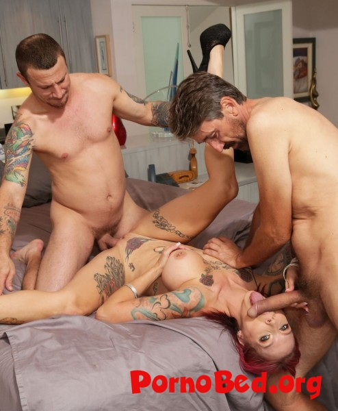 Anna Bell Peaks - Anna Bell Peaks Gets Rammed Down By Two Cocks (BangRammed, Bang) (12.12.2018 | FullHD)