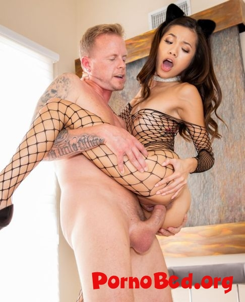 Vina Sky - Vina Sky Asian Teen Slut Puppy (Julesjordan) (18.11.2018 | FullHD)