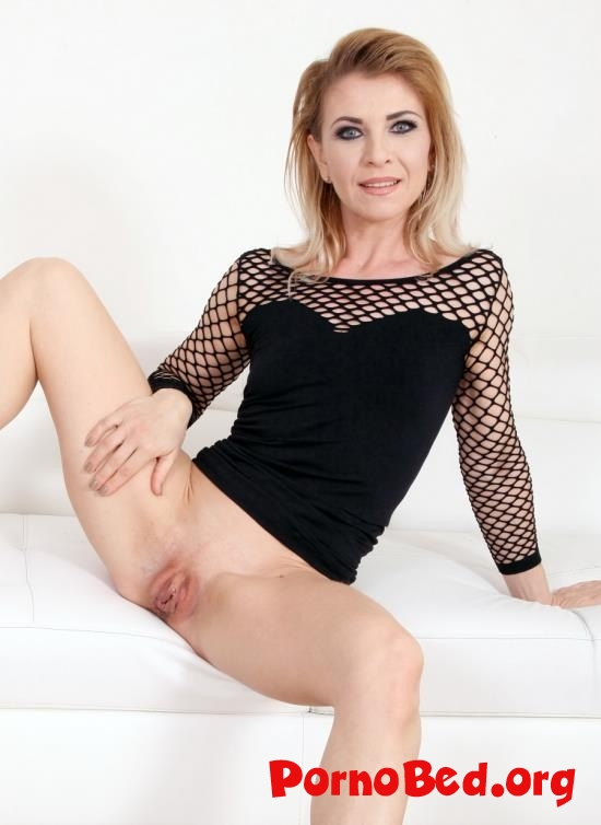 Cheating wife creampie
