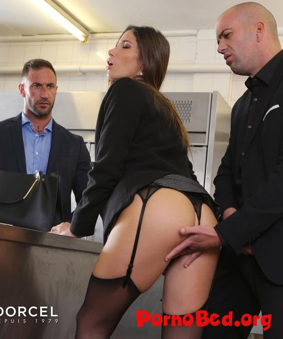 Clea Gaultier - Clea Gaultier will do anything for a contract (Dorcelclub) (26.04.2019 | FullHD)