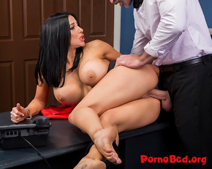 Audrey Bitoni - Emergency Dick Distraction (Brazzers, BigTitsAtWork) (2019 | SD)