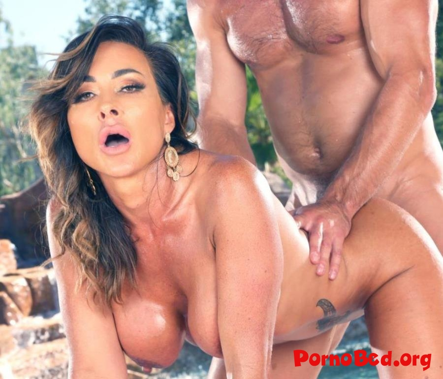 Aubrey Black - Gets Both Her Holes Filled By The Pool! (Bang, BangTrickery) (2019 | SD)