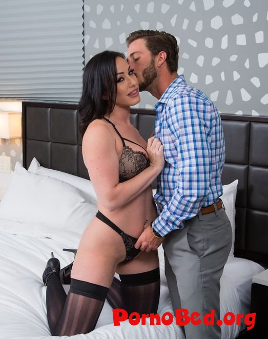 Jennifer White - Jennifer White Shows First Timer A Good Time (Tonightsgirlfriend) (11.10.2019 | FullHD)