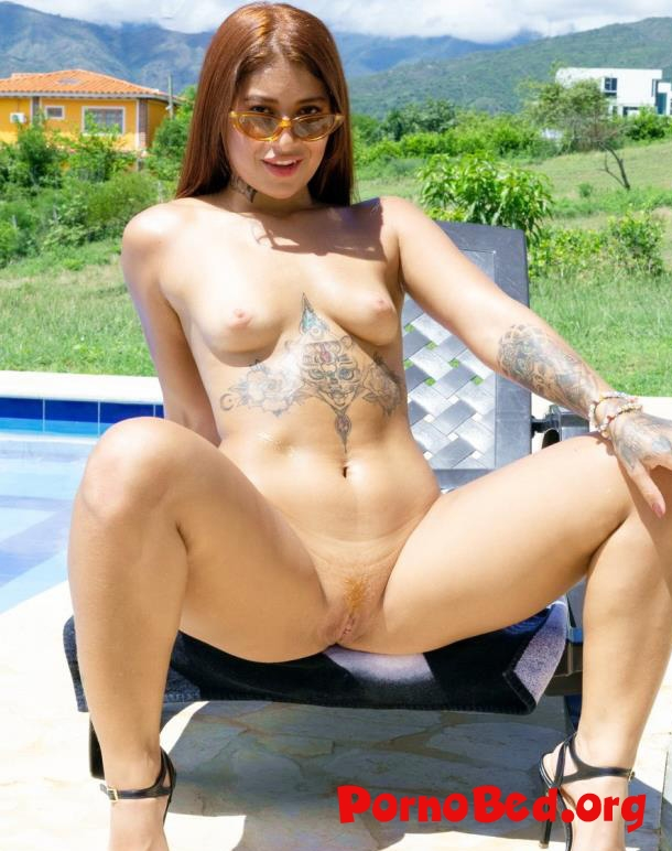Laura Monroy - Piss Drinking Slut Laura Monroy Assfucked And DPed By The Pool SZ2321 (2019 | HD)